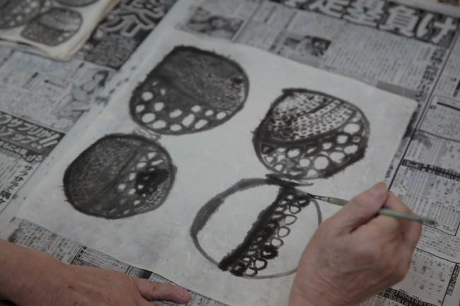 翁長ノブ子さんの作品は独特のグラフィカルなセンスが光る。ファッションデザイナーの皆川明さんも大変気に入られた
