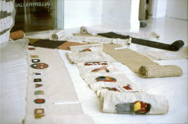 大高さんが企画した巡回展(写真はギャラリーギャラリーの展示)。1999年11月5日から2000年2月20日まで、サボア・ヴィーブル(東京) ギャラリーギャラリー(京都)など全国6ヵ所にて開催