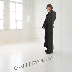 京都のテキスタイル専門ギャラリー「ギャラリーギャラリー」の川嶋啓子さん。ヌイ・プロジェクトの作品展を2000年から3回催している