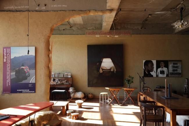 ノマド村のカフェスペース