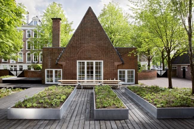 05_Arita House Amsterdam garden by landscape designer Piet Oudolf_Photography Inga Powilleit のコピー