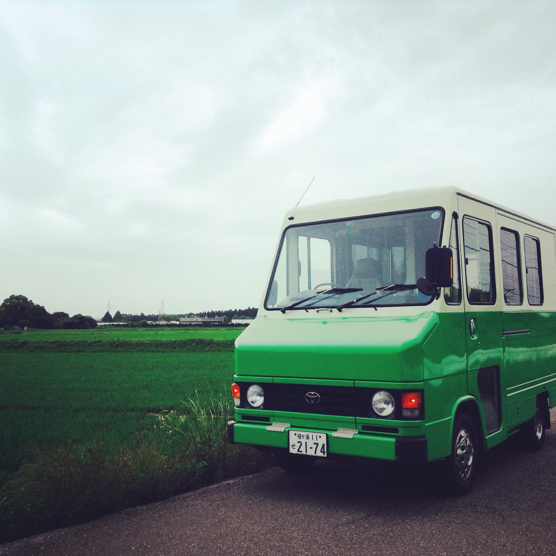 鮮やかな緑色が目印のシンパカフェのフードトラック。