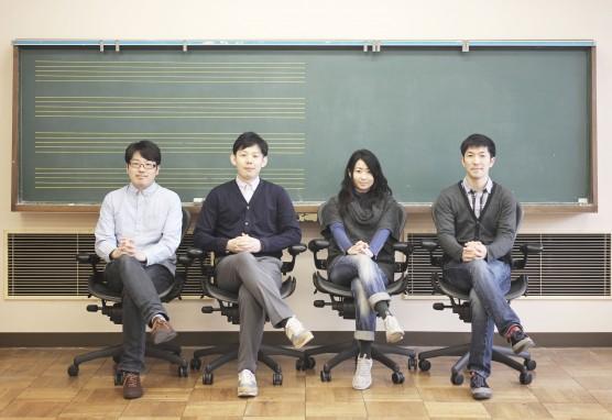 studio mufufuのメンバー。左から水島さん、寺西正貴さん、水島左苗さん、近藤潤さん。