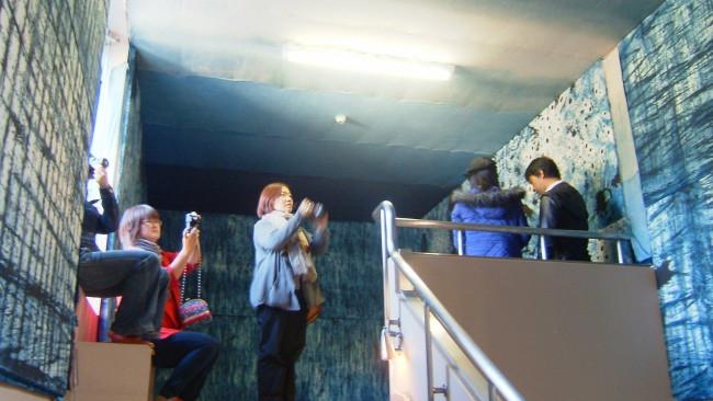 2010年、京都造形芸術大学ASP学科の学生を中心に神山で行われたプロジェクト「カミツレ」。2009年より地域の調査・研究を行い、これまでのレジデンスで制作された作品に着目し、成果として展覧会の企画、出版物の発行等を行った