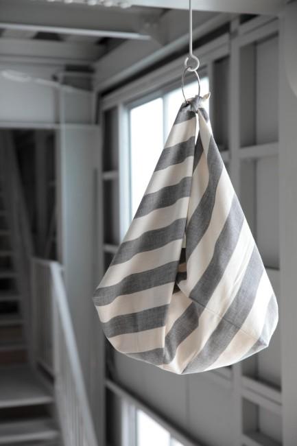エフスタイルの定番、立川織物製の亀田縞のあずま袋