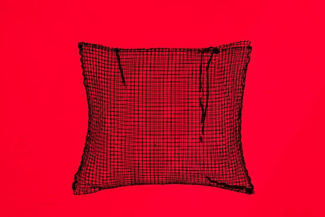 現代美術家・藤本由紀夫が民具の展示を手がけた