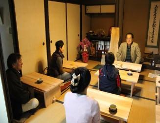 「無尽蔵」開校のようす(2013年11月)
