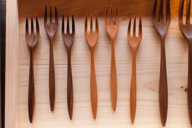 山田さんが手がける「FURERU」の木製フォーク