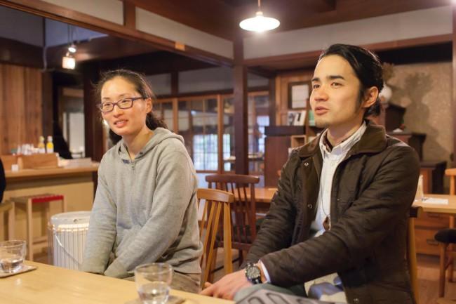 西原貴美さん(左)、山田哲也さん(右)