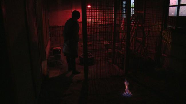 日光北荘。床が燃えている
