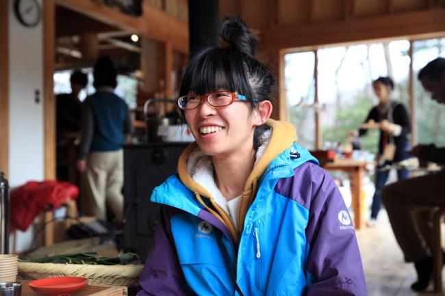 (上)珠洲市の乗光寺の副住職の落合紅さんは染色家でもある(下)「あんこちゃん」こと、イラストレーターで絵本作家の多智彩乃さんは、小松市出身で富山大学で絵を学んだ