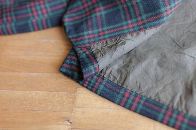 おばあちゃんの手作り子ども服。おばあちゃんは器用なのはもちろん、編み物の目がひと目違ってもすべてほどいてやり直すようなこまやかなひとでもあった