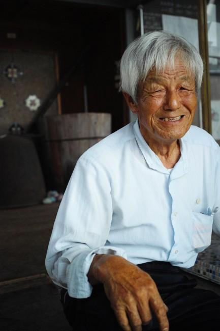 モザイク浪漫館の館長、安藤隆望さん