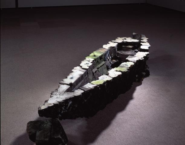 日本版「Isola」 キャリア前半の集大成となる作品で、火事の焼け跡から生まれた 撮影:森岡 純