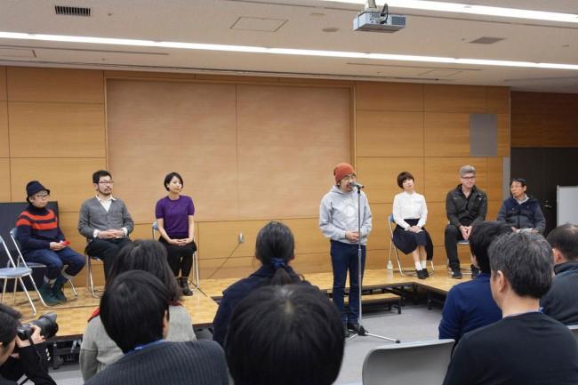 (左から)豊崎由美、開沼博、華雪、古川日出男、川上未映子、レアード・ハント、柴田元幸