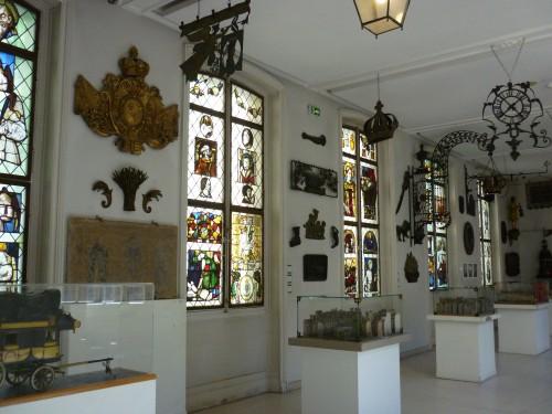 カルナヴァレ館(2)
