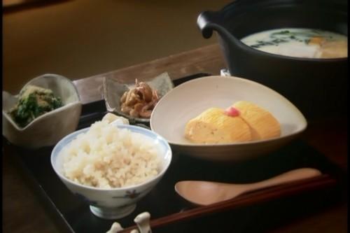 北村さんがつくる日替わりの朝食。知り合いの農家から仕入れた野菜をふんだんに使用。健康的で美味しく、細かな要望にもこたえられると評判