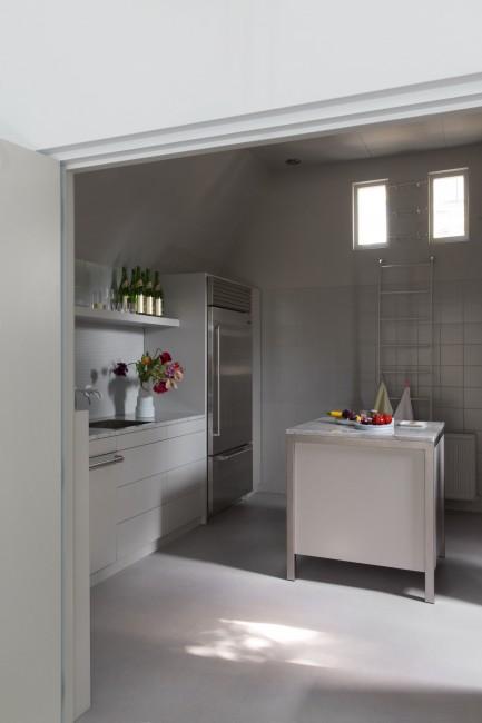 06_Arita House Amsterdam kitchen_Photography Inga Powilleit のコピー