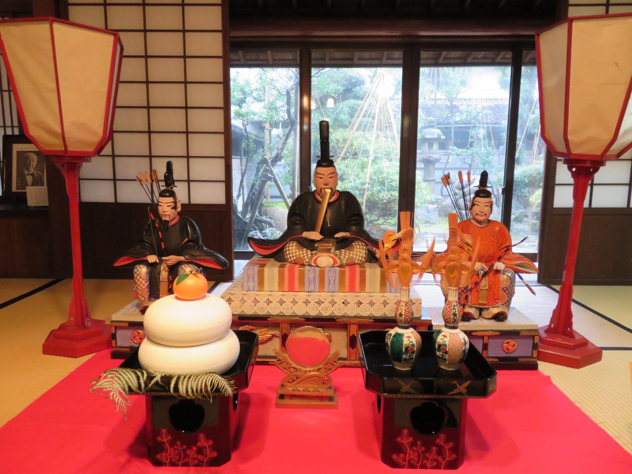 重要文化財菅野家住宅に飾られた天神様。土蔵造りのお屋敷の見学も楽しみました