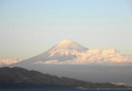 夕暮れの富士山と駿河湾