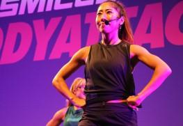 2019年に東京で行われたLes Mills Liveにて、フィットネスのプログラムを実演する越本さん