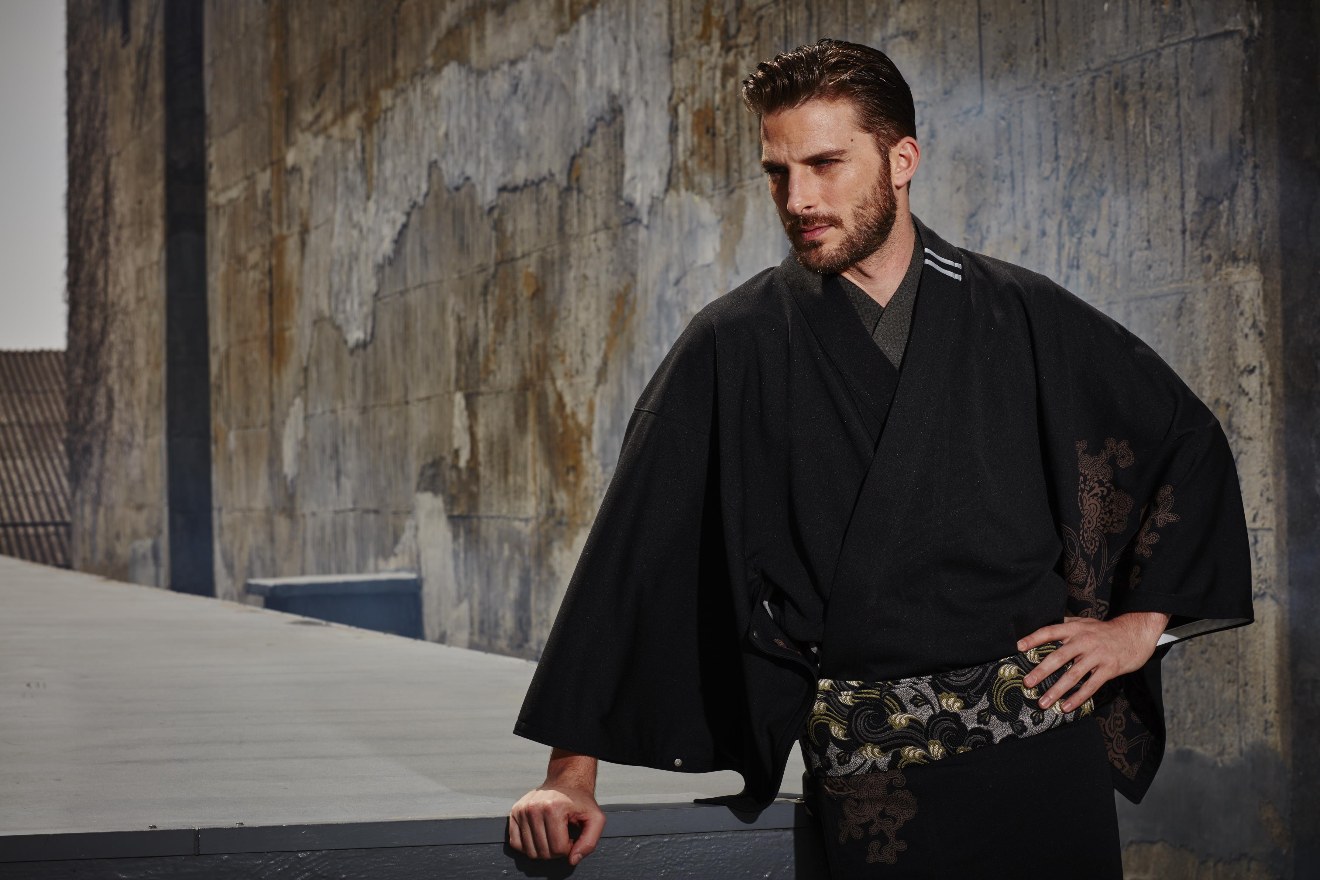 ジャージ素材の着物。細部のディテールまで凝ったデザイン