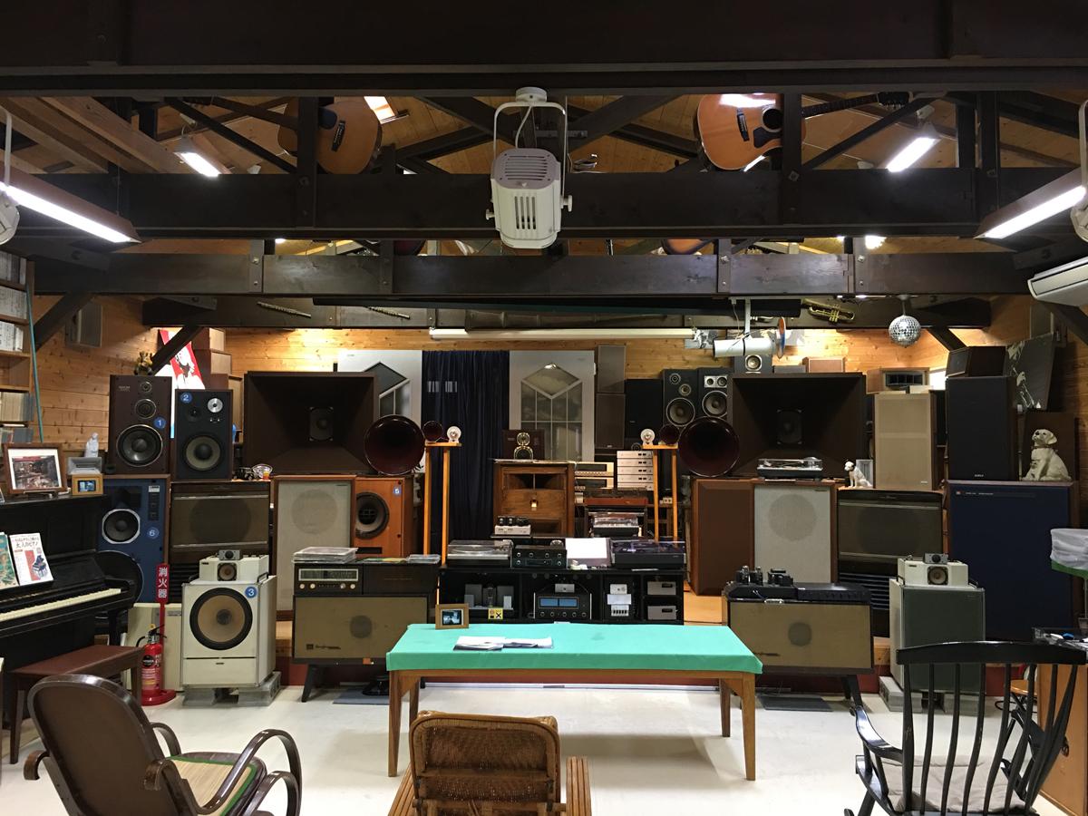 イベントホールの音響機器
