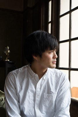 明け方の静坐社にて(黑田菜月撮影)
