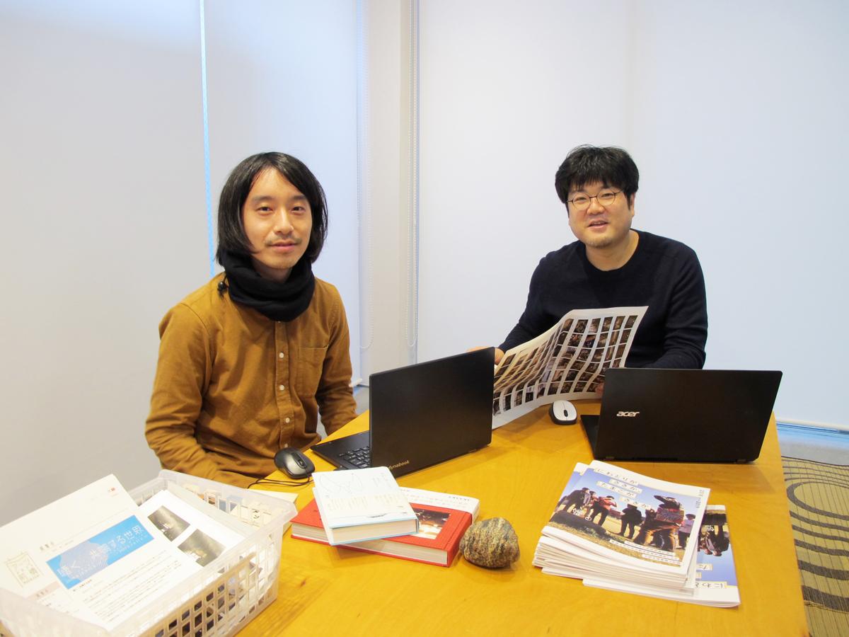 ディレクターの戸舘正史さん(右)とプログラムオフィサーの松宮俊文さん(左)